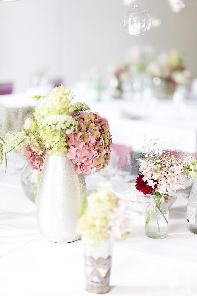 Blumendekoration fuer den besonderen Tag