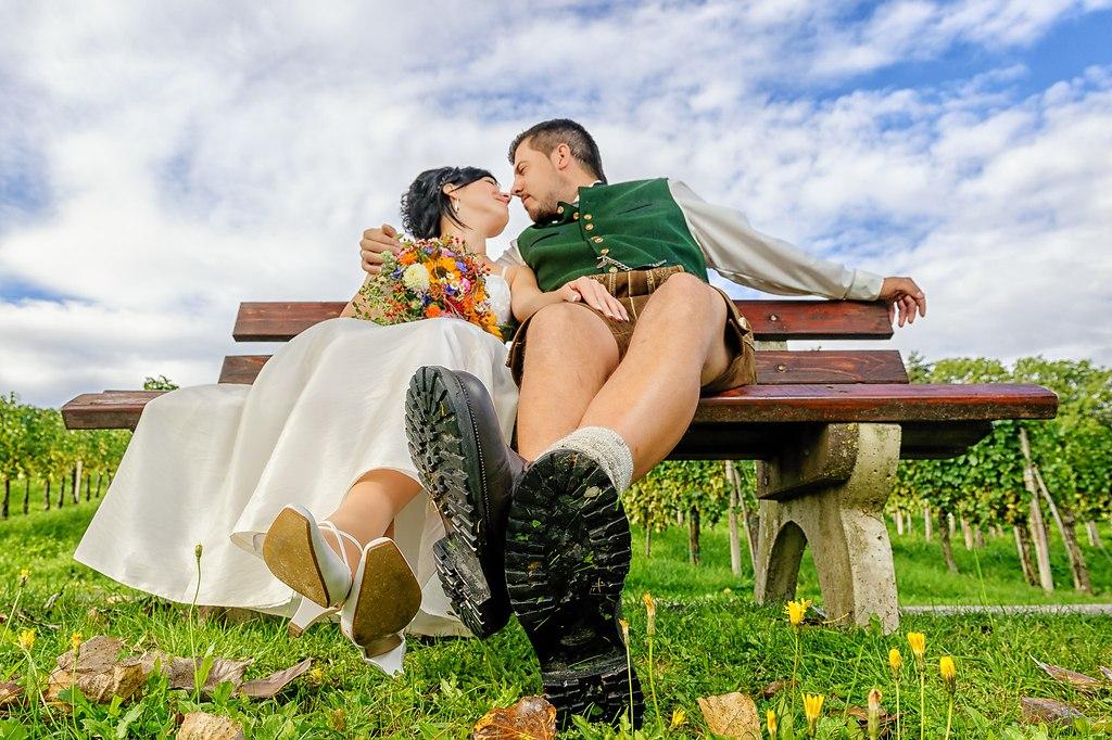 | ... da habe ich die glücklichen beim chillen auf der Bank erwischt | Hochzeitsfotograf, Hochzeit,