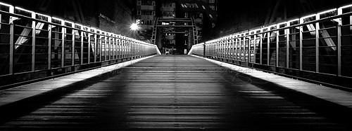 Hamburg - Hafen City - Kibbelsteg - schwarz/weiß