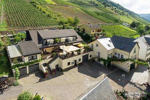 Weingut Gästehaus Hirschen-Schuster
