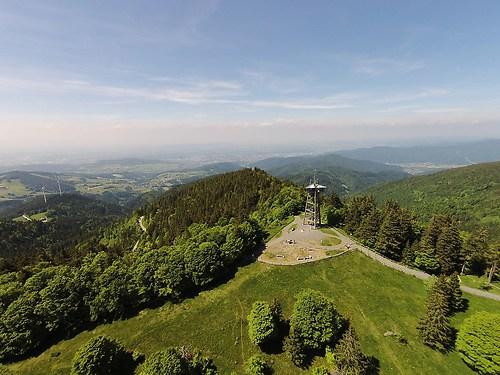 Schauinsland Turm (20150528-DJI01112)