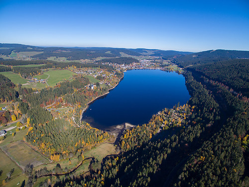 Titisee im Schwarzwald (20151027-DJI_0014)