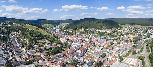Furtwangen im Schwarzwald (20150821-DJI_0017-Pano)