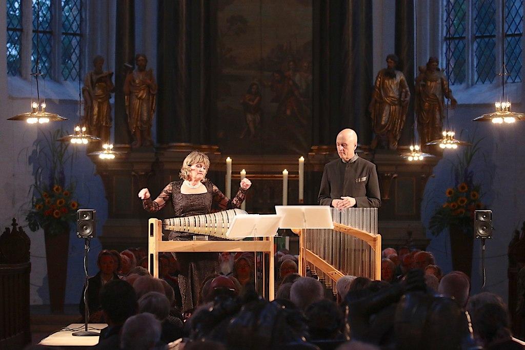 Gläserne Harmonie (IMG_0675_fotonick_2016_12) | Wiener Glasharmonika Duo-Foto Axel Nickolaus