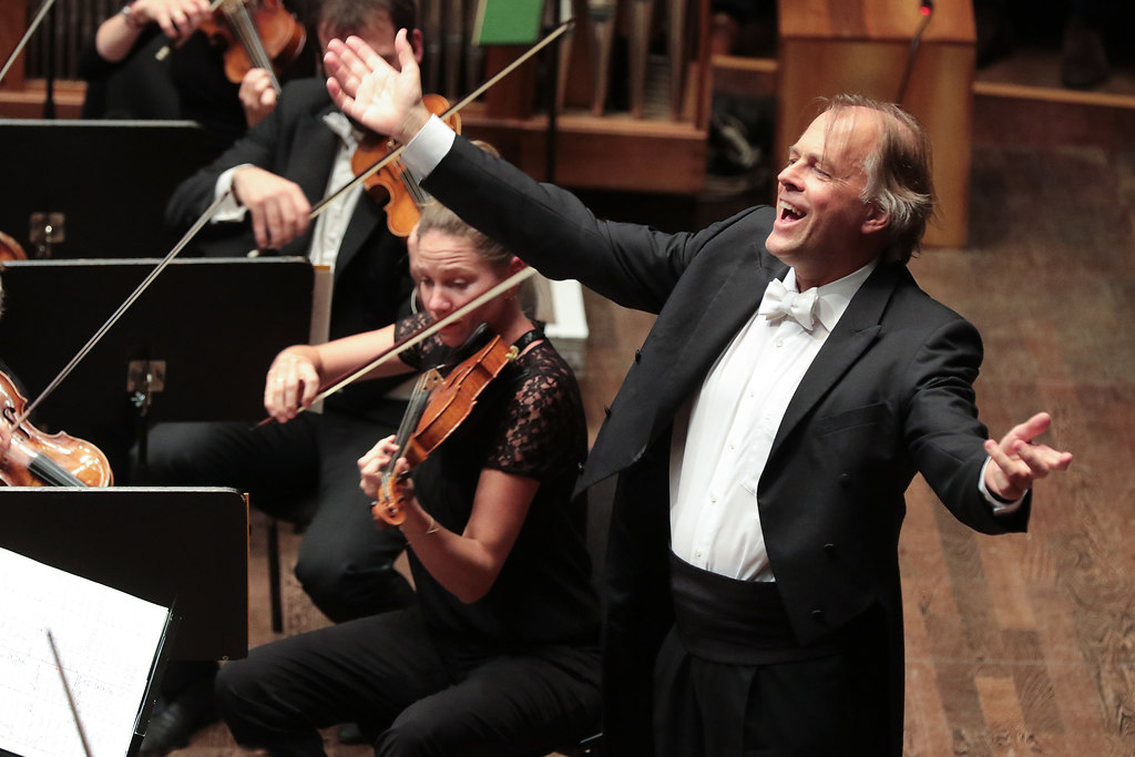 Hengelbrock in Kiel (IMG_1231) | Balthasar-Neumann-Chor Balthasar-Neumann-Ensemble  omas Hengelbrock Dirigent-Foto Axel Nickolaus | fotonick Kiel