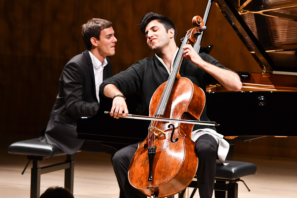 Kian Soltani, Violoncello Aaron Pilsan, Klavier (MEF_9287) | Kian Soltani, VioloncelloAaron Pilsan, Klavier | SHMF 2018