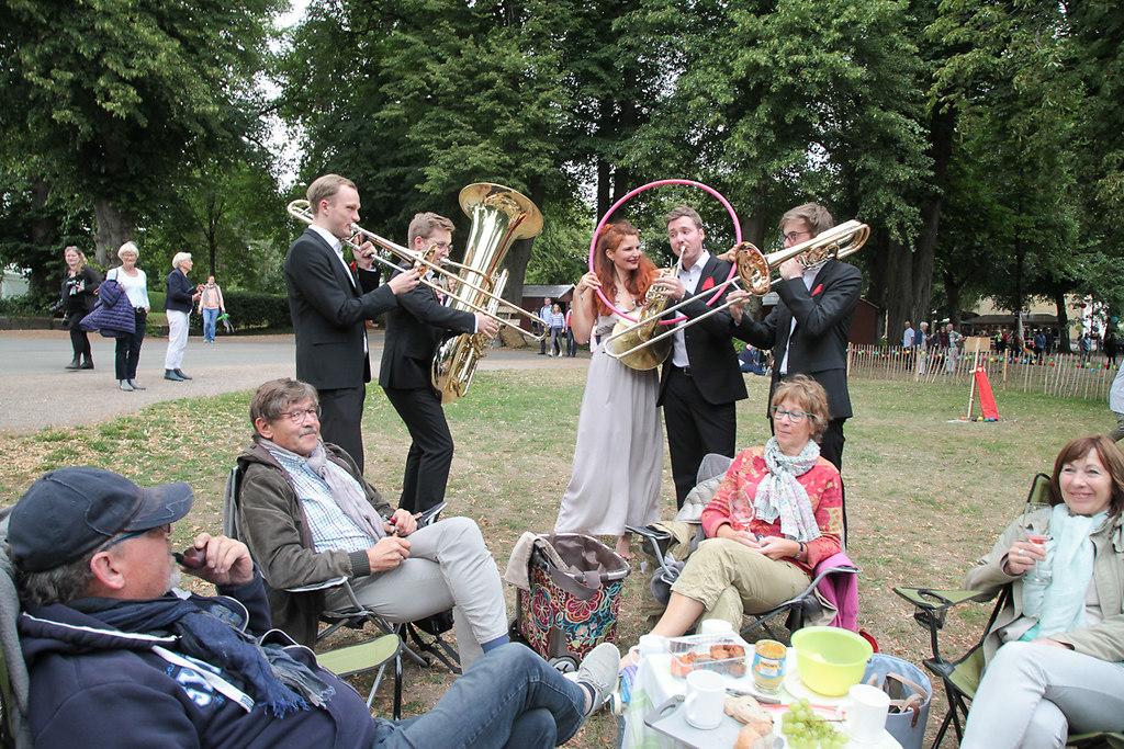 Musikfest Stocksee (fotonick--9399) | Brasssonanz-Besucher-hinten Ernst und Hildegard Thalheim--vorne-Gunter und Elke Walther--Foto... | fotonick Kiel