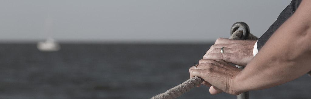 hochzeitsfotografin | Hochzeit auf einem Segelschiff. Eine der vielen Möglichkeiten der Hochzeiten auf Pellworm. | hochzeit, heiraten, trauung, fotograf, fotografin, segelschiff, pellworm, hochzeitsfotografin