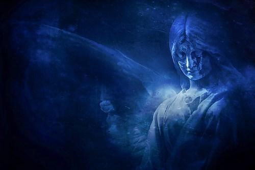 Engel in Blau