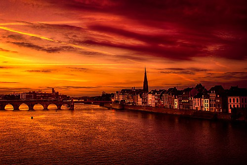 Maastricht in red-5