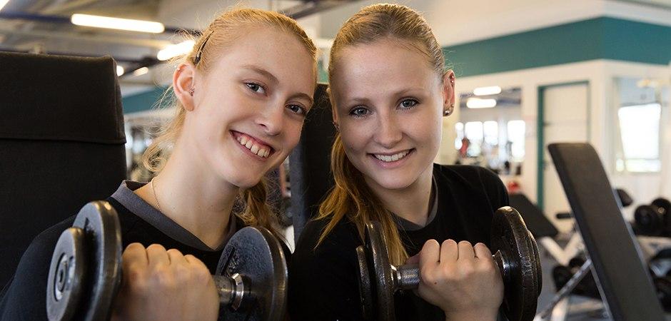 titel_21_david-fitness_foto-detlef-gottwald-0458_tanja-grosser_rebecca-schaeperklaus | DAVID FITNESS & HEALTH | Tanja Großer (links) und Rebecca Schäperklaus | Foto: detlef-gottwald.de