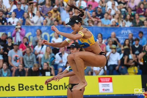 beachvolleyball-wm-2019_carol-mariaantonelli-vs-ludwig_kozuch_foto-detlef-gottwald_K01_281