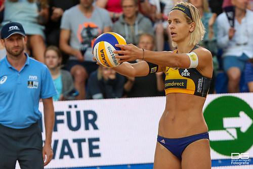 beachvolleyball-wm-2019_carol-mariaantonelli-vs-ludwig_kozuch_foto-detlef-gottwald_K01_289