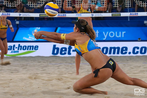 beachvolleyball-wm-2019_carol-mariaantonelli-vs-ludwig_kozuch_foto-detlef-gottwald_K01_329