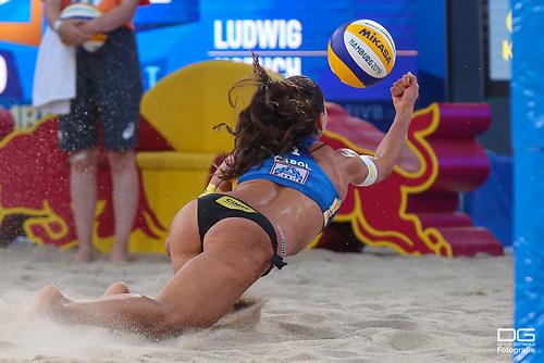 beachvolleyball-wm-2019_carol-mariaantonelli-vs-ludwig_kozuch_foto-detlef-gottwald_K01_333