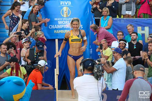 beachvolleyball-wm-2019_carol-mariaantonelli-vs-ludwig_kozuch_foto-detlef-gottwald_K01_268