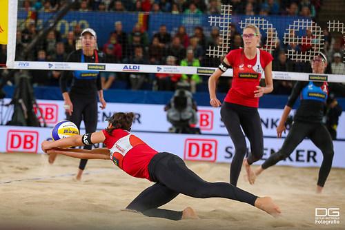 beachvolleyball-wm-2019_finale_pavan-melissa-vs-klineman-ross_foto-detlef-gottwald_K01_142
