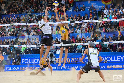 beachvolleyball-wm-2019_finale_thole-wickler-vs-krasilnikov-stoyanovskiy_foto-detlef-gottw