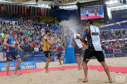 beachvolleyball-wm-2019_siegerehrung_men_foto-detlef-gottwald_K02_0511