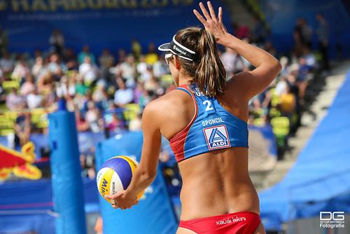 beachvolleyball-wm-2019_ittlinger-laboureur-vs-sponcil-claes_foto-detlef-gottwald_K01_2391