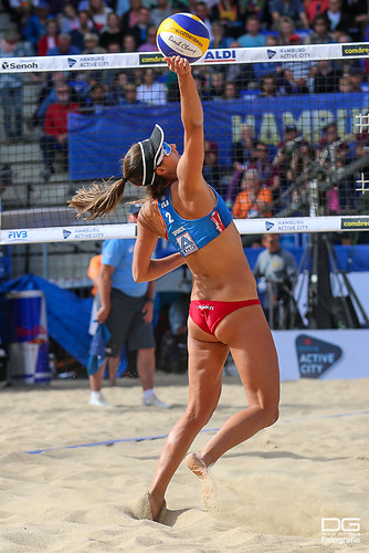 beachvolleyball-wm-2019_ittlinger-laboureur-vs-sponcil-claes_foto-detlef-gottwald_K01_2562