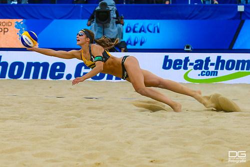 beachvolleyball-wm-2019_ittlinger-laboureur-vs-sponcil-claes_foto-detlef-gottwald_K01_2779