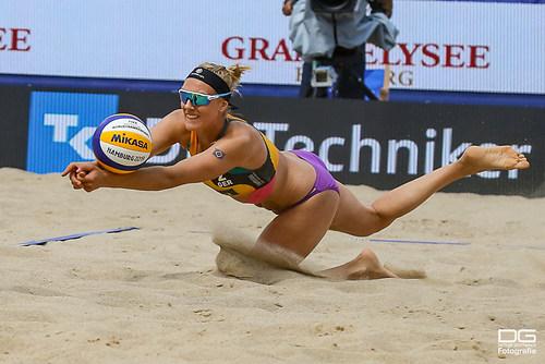 02_beachvolleyball-wm-2019_koertzinger-schneider-vs-kravcenoka-graudina_foto-detlef-gottwa