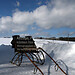 Pferderennschlitten im Schnee  (B100201bmw42_IMG_2156) - 01.02.2010; Pferdeschlitten wartet auf die Pferde für die Fahrt durch den Kerschlacher Forst