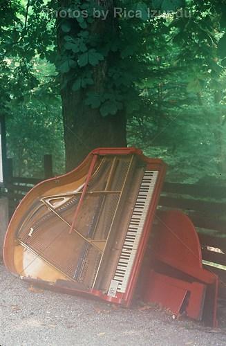 04_The_Lost_Piano