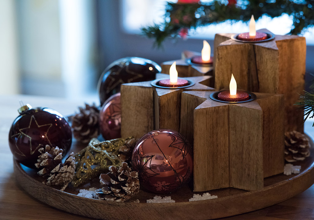 Advent wreath (Advent wreath) | Advent wreath with electric candles | tradition, table. no people, indoors, burning, close-up, christmas, decoration, electric light, candles, advent