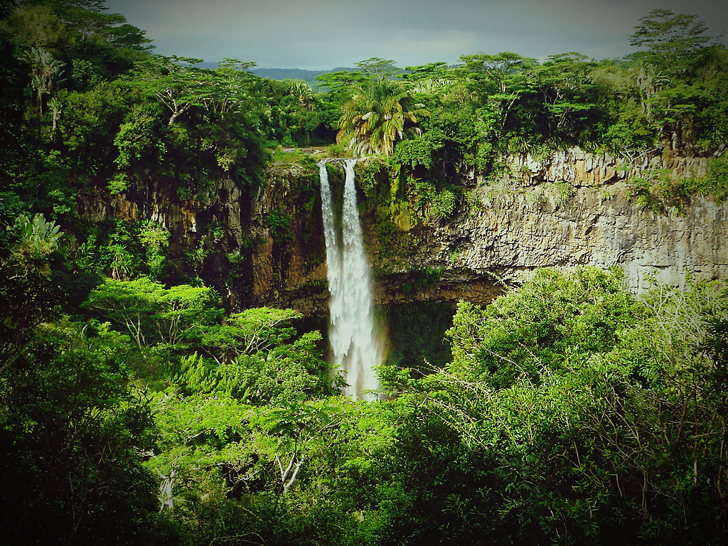 Cascade close to Chamarel (Cascade close to Chamarel) | Cascade close to Chamarel | Mauritius, island, Chamarel, cascades, zoomed in, tranquil scene, calm, scenic, sunny, vignetting