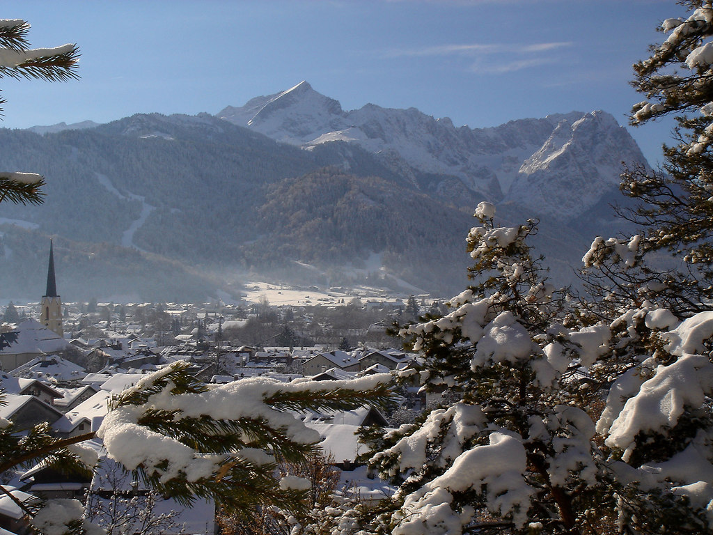 Garmisch Partenkirchen vom Katzensteg im Winter 2006 1