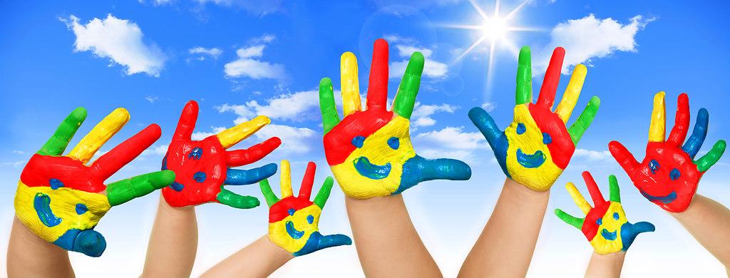 farbige_haende | farbige hände | Kindergarten, kita, farbige hände, bemalte hände, farben