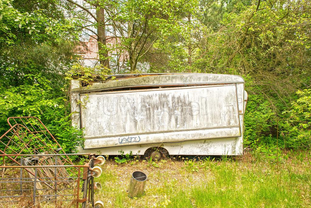 Hatte mal eine Anhänger | Vewahrloster Verkaufswagen | Anhänger, Müll, Verwahrlost, Schrott, Verkauf,
