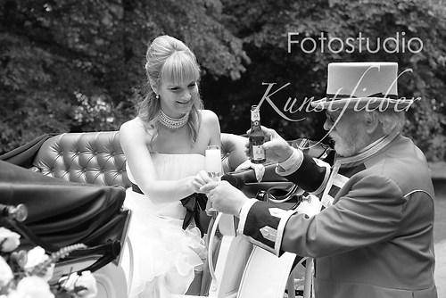 Braut mit Kutscher