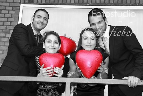 Hochzeitsgäste mit Herz