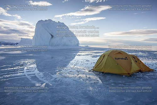 water-camping on the frozen ocean (20120621-floeedge-13843)