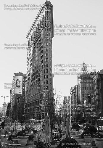 flat iron building (20111125-NY10607)