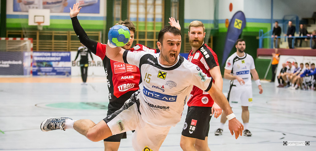 HC LINZ AG - Sparkasse Schwaz Handball Tirol (170318bm_0506) | SPORT, HANDBALL, 2017-03-18,  IM BILD: HC LINZ AG - Sparkasse Schwaz Handball Tirol GOJKO...