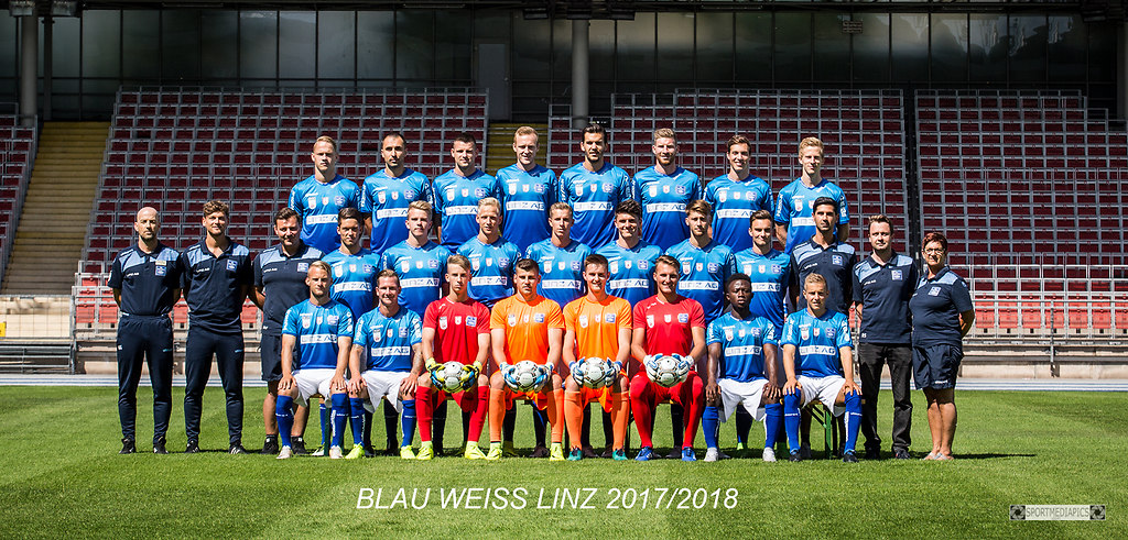 BLAU WEISS LINZ  2017/2018 (170630bm_6602-3) | SPORT, FUSSBALL, 2017-06-30  IM BILD: 1.Reihe: vl : Schagerl, Kerschbaumer. Horner, Hankic,...