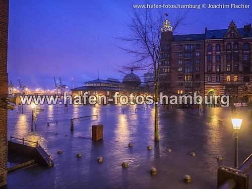 web 2015-01-11 hochwasser fischmarkt 060-Bearbeitet