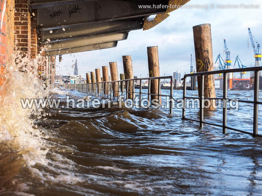 web 2014-12-20 fischmarkt hochwasser 191 | OLYMPUS DIGITAL CAMERA