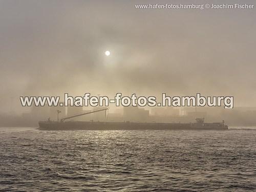 2014-11-25 Hafen im Nebel (web 2014-11-25 nebel sonne 173-Bearbeitet)