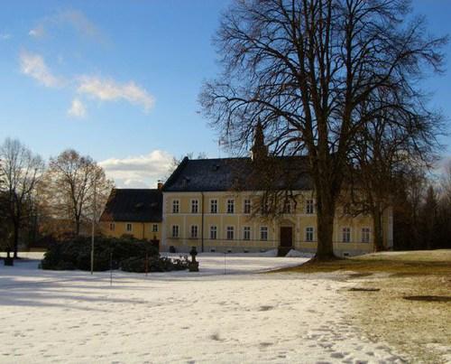schloss oberzwieselau - erster schnee