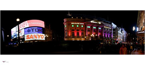 london #30 - piccadilly circus