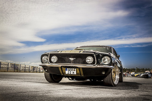 Mustang-text