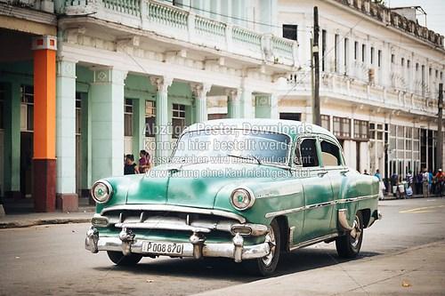 Cuba_car_american_auto_green_silversteel_6399.NEF