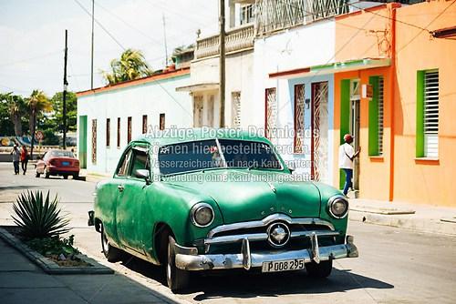 Cuba_Cienfuegos_car_green_6673