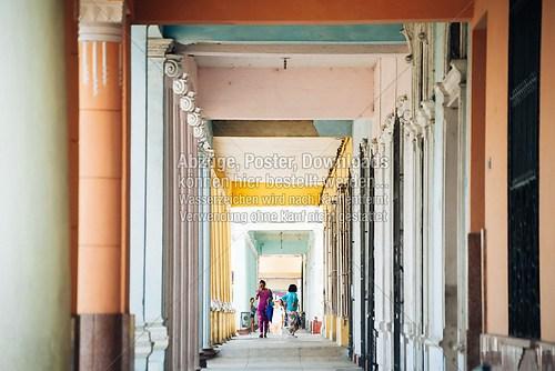 Cuba_saeulen_columns_Cienfuegos_6421
