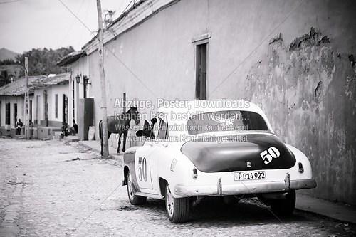Cuba_Trinidad_car_blackandwhite_6735-2